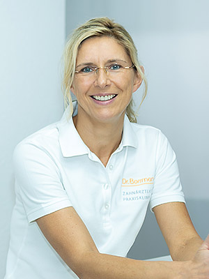Alexandra Sialis - Zahnärztliche Praxisklinik Dr. Borrmann