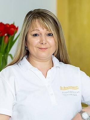 Julia Licht - Zahnärztliche Praxisklinik Dr. Borrmann